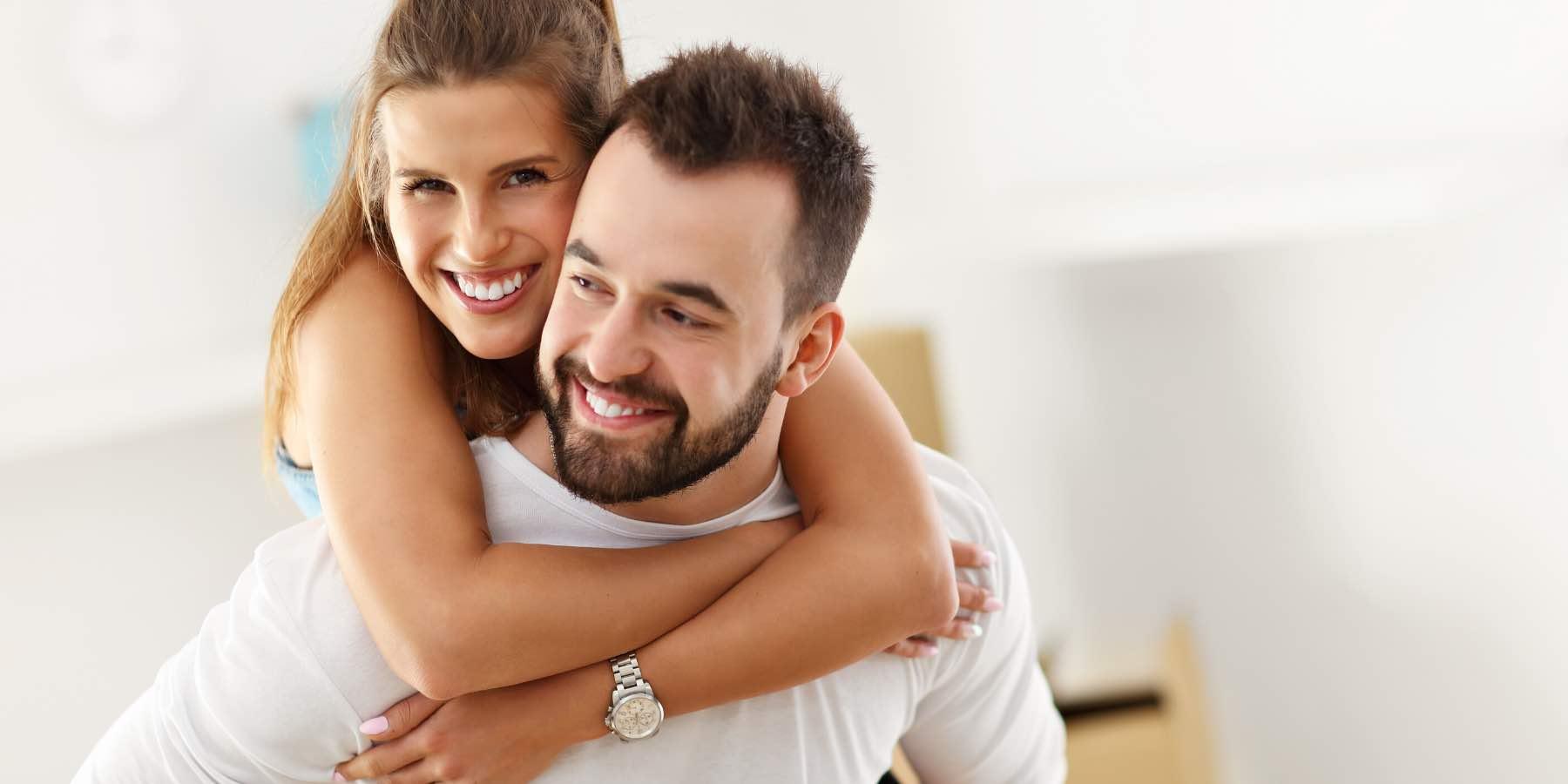Casal procura casas baratas