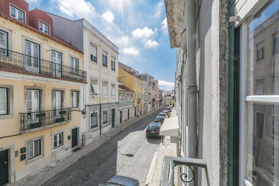 Vende prédio Rua dos Ferreiros à Estrela